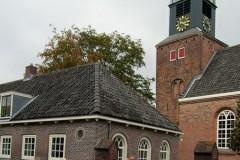 Uitleg bij de kerk van Nigtevecht
